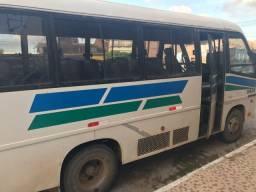 Vende-se ônibus ano 2001