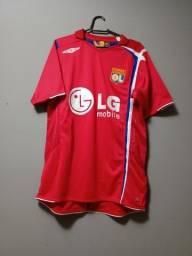 Título do anúncio: Camiseta de futebol Lyon 2005 ótimas condições