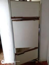 Vendo geladeira 3 portas RELÍQUIA FUNCIONANDO