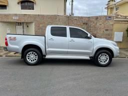 Título do anúncio: Toyota Hilux 3.0 SRV 2013 TOP Controle tração OPORTUNIDADE ABAIXO FIPE