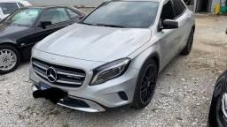 Título do anúncio: Mercedes Gla200 2015 vision Black 95k km + rodas 20 + som top