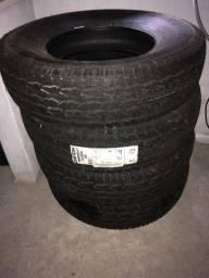 Vendo 4 pneus pára camionete aro 16.