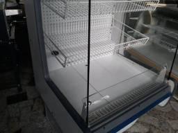 Gelopar  Expositor frutas verduras Vitrine seca  prateleira R$1.300,00