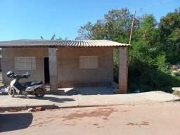Vendo casa (Pego carro como parte no dinheiro) R$55,000