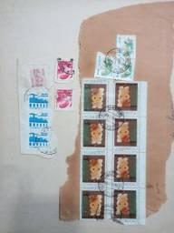 Estou vendo 2 álbuns de selos