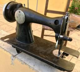 Cabeçote de máquina de costura Alfa, usada, no estado.