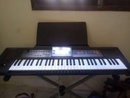 Título do anúncio:  teclado Roland e 09