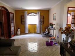 Vendo - Casa 02 dormitórios ampla, próximo  a  rodoviária  de São Lourenço