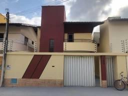 Casa Duplex - Bairro Edson Queiroz