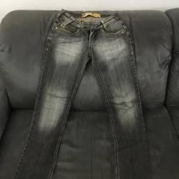 Vendo calça feminina tamanho 38