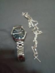 Relógio e cordão meu zap *