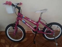 Bicicleta semi nova para meninas de 4 a 8 anos!