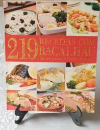 Título do anúncio: Livro 219 receitas com bacalhau