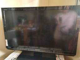 """Título do anúncio: Tv LCD 42"""" com defeito"""