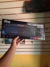 Teclado gamer semi mecânico