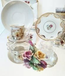 Lote de Porcelanas Antigas, flores de porcelana origem Portugal