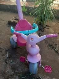 Motoca menina