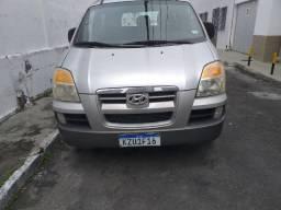 Van H1 Hyundai 12 lugares a Diesel - 2005