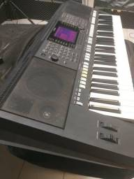 Teclado Yamaha PSR s750