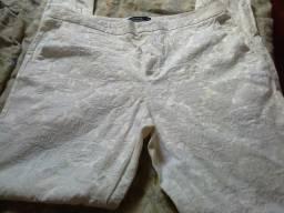 Calça branca bordada