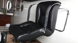 Cadeira estofada fixa