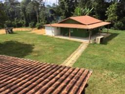 Aluga-se sítio mobiliado com 02 casas- distância 1,5 KM de Santa Maria Jetibá