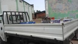 Vendo ou troco carroceria da hr medidas 290 de comprimento e 190 de largura