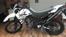 Vende-se moto xt660 - 2015