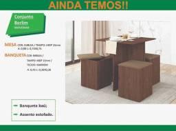 Mesa com cadeiras baú nova na caixa promoção