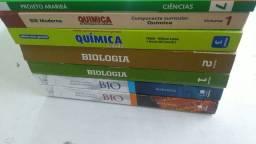 Lote de livros Biologia, Química e Ciências.