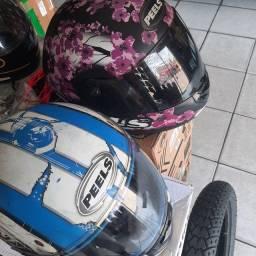 Título do anúncio: Dois capacetes peels oportunidade