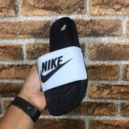 Sandálias Adidas e Nike ?