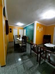 Alugo apartamento No Icaraí contrato anual