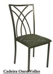 Cadeiras práticas e resistentes