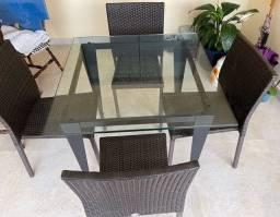 Título do anúncio: Mesa com 4 cadeiras Tok&Stok