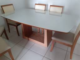 Título do anúncio: Mesa de jantar madeira e acabamento laka telinha no encosto