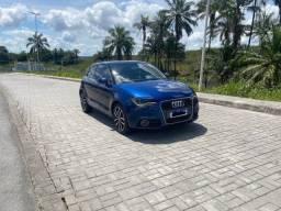 Título do anúncio: Audi A1 tsfi Teto.