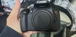 Câmera Canon T4i seminova