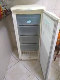 5vendo freezer Electrolux funcionando perfeitamente