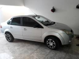 Fiesta sedan 1.0 completo 2007/2008 - 2008