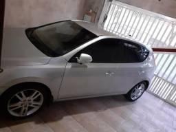 Hyundai i30 automático passagem por leilão qualquer dúvida só chamar no zap * - 2011
