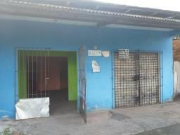 Alugo ou Vendo Casa com ponto comercial e garagem