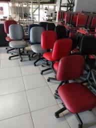 Cadeiras giratórias a partir de $69,90