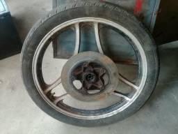 Roda e pneu ybr