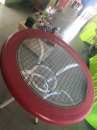 Mesa redonda com tampo de vidro