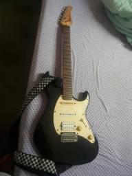 Guitarra Cort G210 Strato