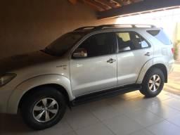Toyota Hilux SW4 3.0 SRV - Turbo - Diesel - Automática - 2008