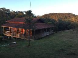 Belo sítio em Rancho Queimado 13 hectares com 2 casas construídas
