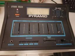 Lendário Mixer que DJ Quest criou o estilo Hamster em 1986