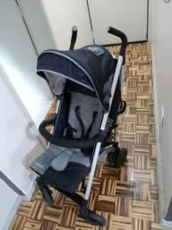 Carrinho de bebê marca Infanti
